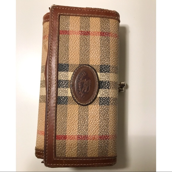 16aba2a68587 Burberry Handbags - Burberry Wallet (Authentic Vintage)